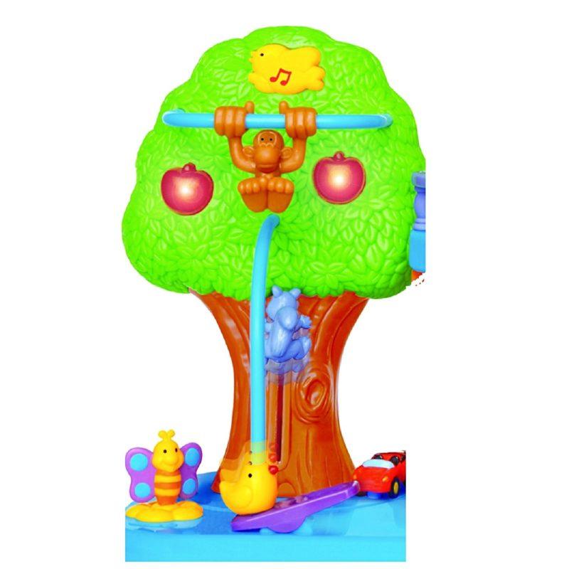 дерево и домик